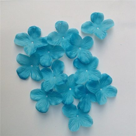 Örökzöld selyem virágszirmok (100 db) kék
